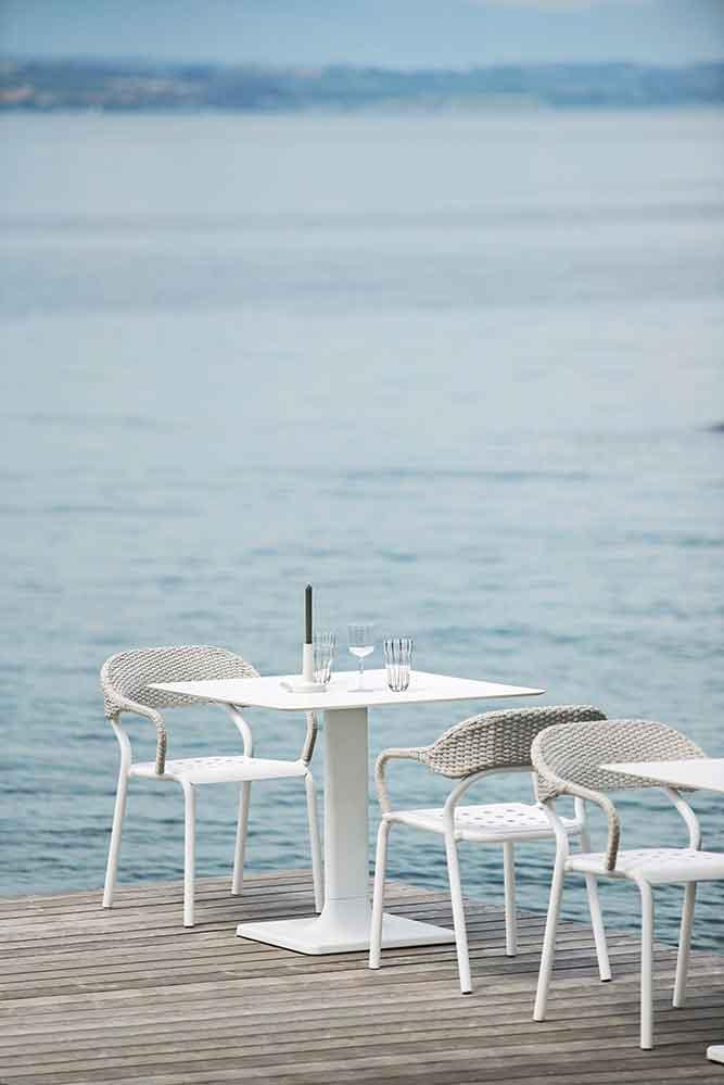 Poltroncina Noss, Tavolino Plinto Dett